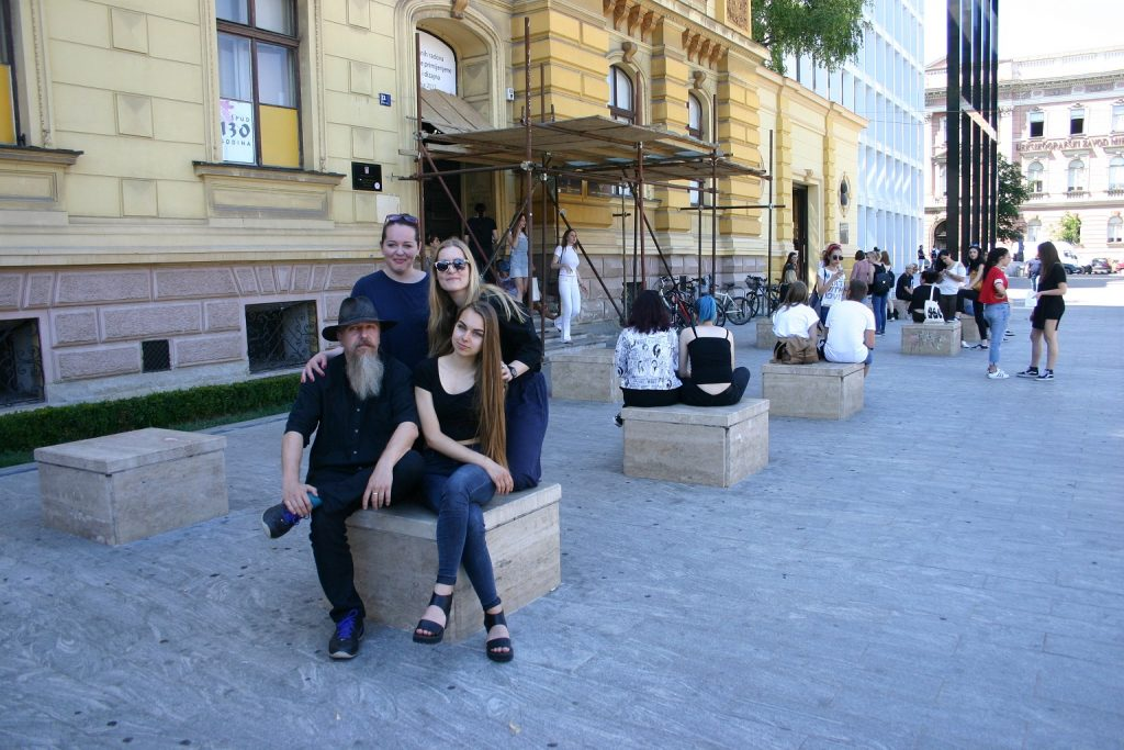 Filip Pintarić, ravnatelj ŠPUD-a, Marija Juza i Bernarda Cesar, kreativne voditeljice UBU-a, Paula Prebeg, stipendistica
